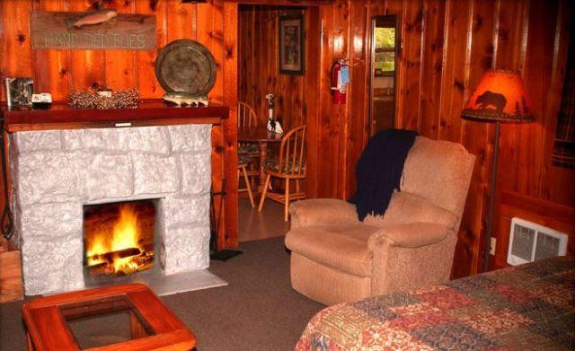 Metolius River Lodges Camp Sherman Oregon